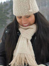 foulard double épaisseur 100% alpaga tricot à la main couleurs naturelles beige tweed assorti de mitaines et d'un cache-col tuque
