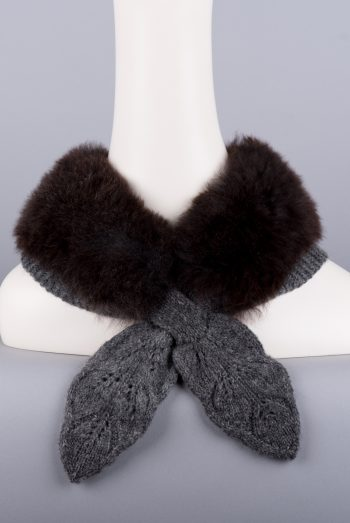 faux-col tricot-fourrure / fur-trimmed false collar